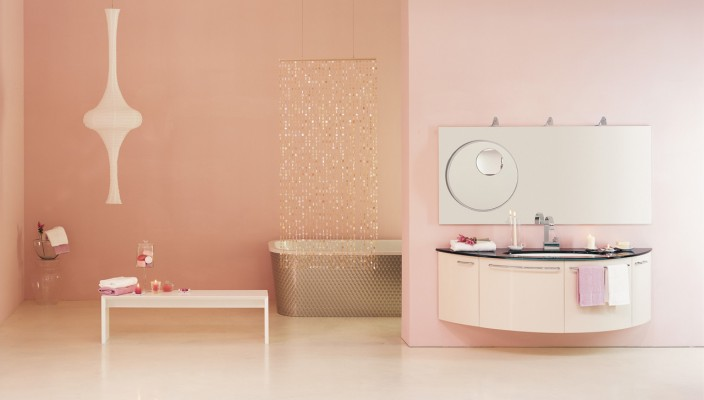 Luxurious pink bath