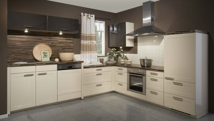 Glossy Cream And Brown Kitchen