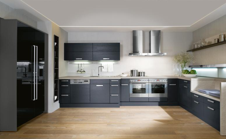 Interior exterior plan make your kitchen versatile with black and white combination for Interior design for small kitchen