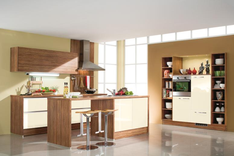 Delicieux Interior Exterior Plan | Cream And Brown Colors Complement Each Other In A  Kitchen