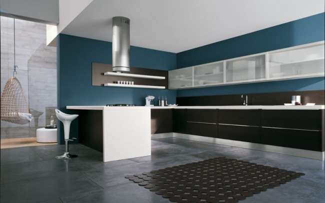 Kitchen that Looks Imposing and Spacious