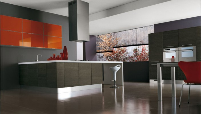 Grey and orange are perfect colors for a social kitchen