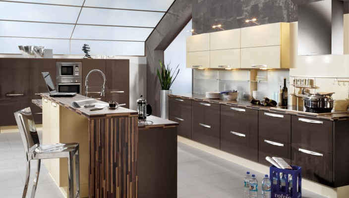 Add gloss elements to your kitchen