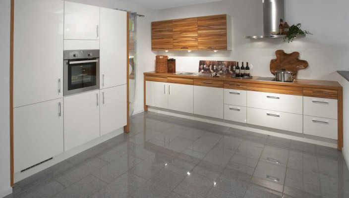 Reinvigorate Your Kitchen With White High Gloss Paint