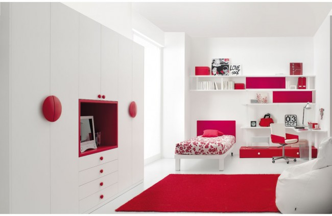 Red and White Teen Bedroom that Looks Stunning