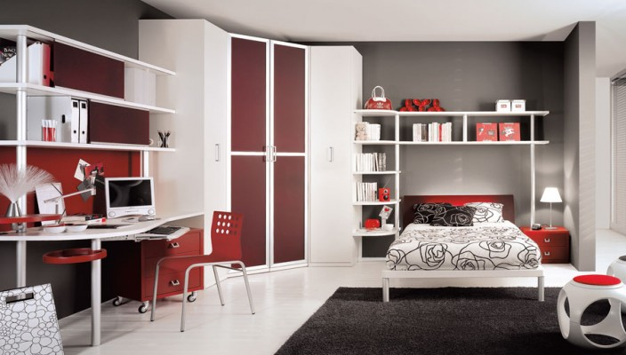 Blood red teen bedroom
