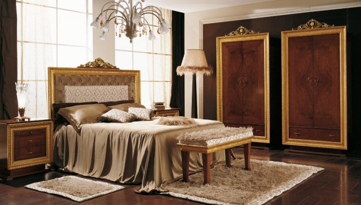Decorate your bedroom with traditional decoration for calm and relax atmosphere
