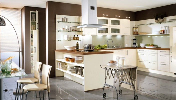 Make Best Use Of High Gloss Cream And Brown Shades In Your Kitchen