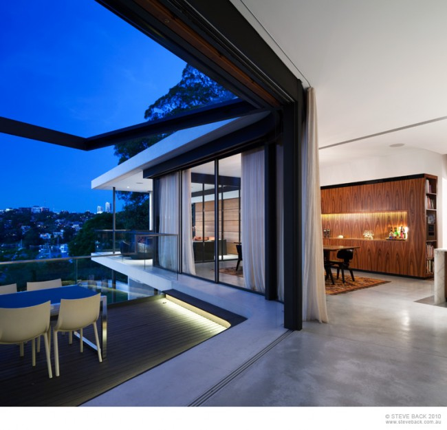Sydney Based River House 32