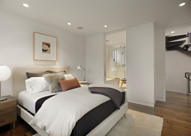 Modern bedroom design for small spaces