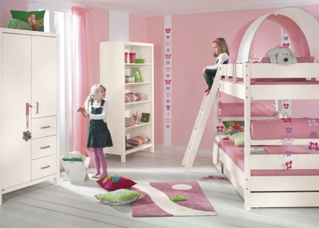 Girl's room idea in a pink finish