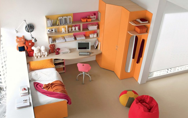 Colorful bedroom idea for kids