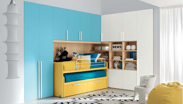 Classy blue and yellow interior for girl's bedroom