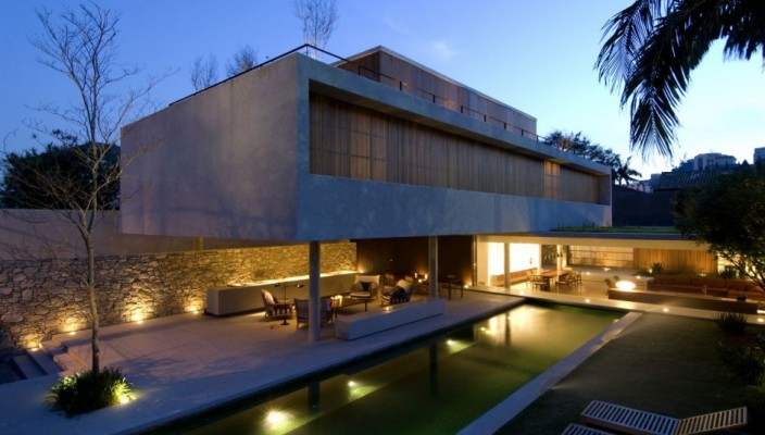 Grand exterior house design for large spaces